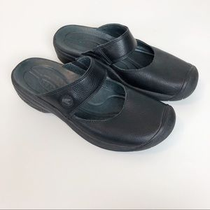 Keen black Mary Jane Slip on Clogs mules size 8.5